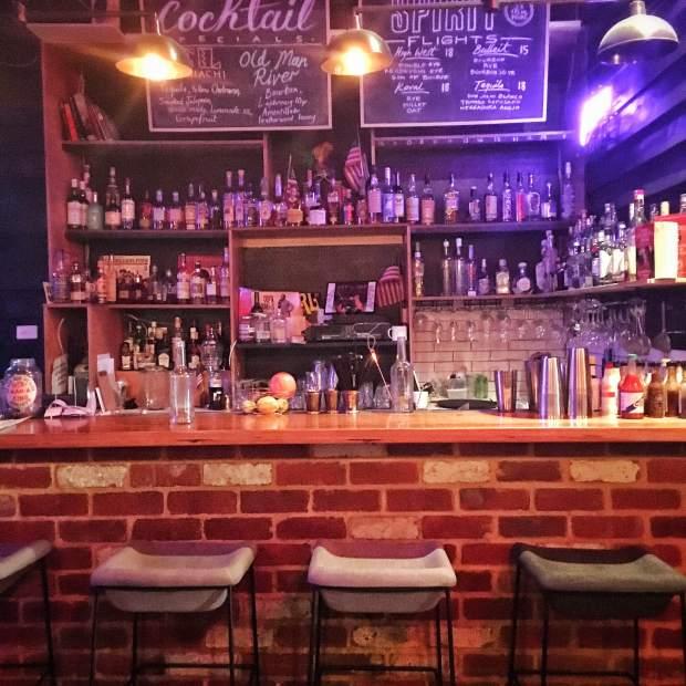 Po Boy Quarter Bar